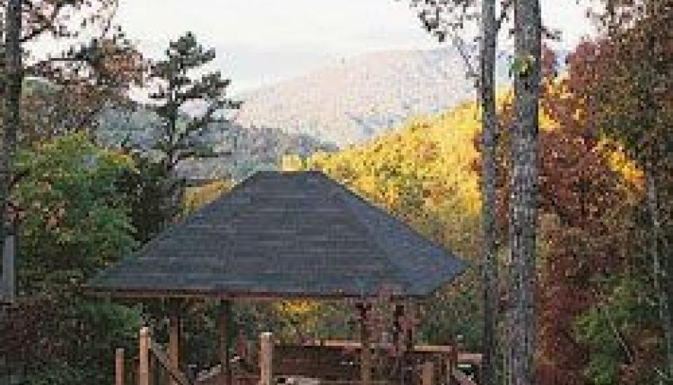 Tree Tops Resort of Gatlinburg - Slideshow Image 4