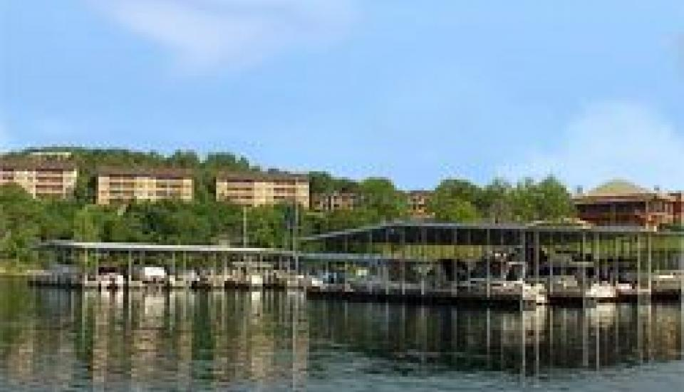 Escapes! to Branson Yacht Club - Slideshow Image 0